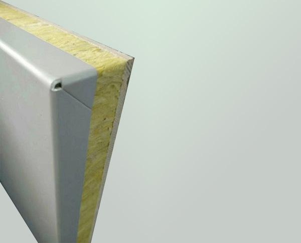 保温金属一体板